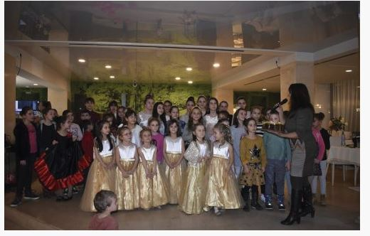 "Музикално студио ""Елита"" и  Клуп по танци ,,Унбесо"" посветиха концерт на любовта"
